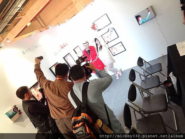 2012 3 21 art revolution人潮洶湧的VIP之夜 (14)