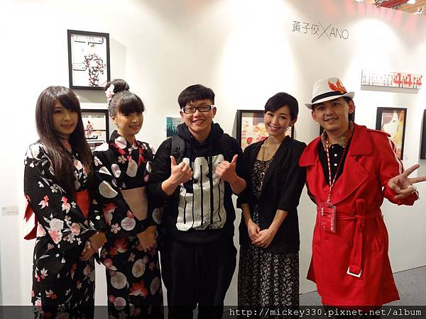 2012 3 21 art revolution人潮洶湧的VIP之夜 (18)
