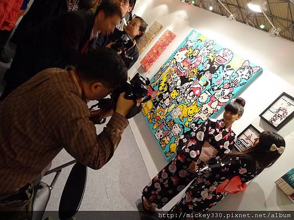 2012 3 21 art revolution人潮洶湧的VIP之夜 (22)