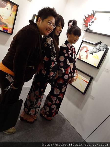 2012 3 21 art revolution人潮洶湧的VIP之夜 (26)