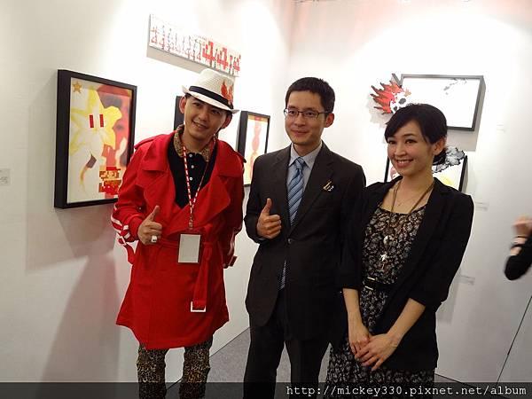 2012 3 21 art revolution人潮洶湧的VIP之夜 (29)