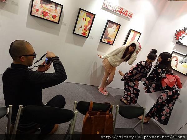2012 3 21 art revolution人潮洶湧的VIP之夜 (35)