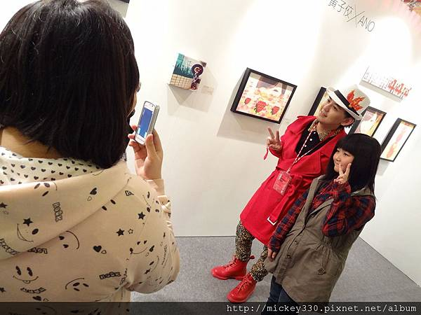 2012 3 21 art revolution人潮洶湧的VIP之夜 (54)