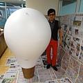 2012 5 為尊彩藝術中心二十年開展創作熱汽球:壽桃 (1)
