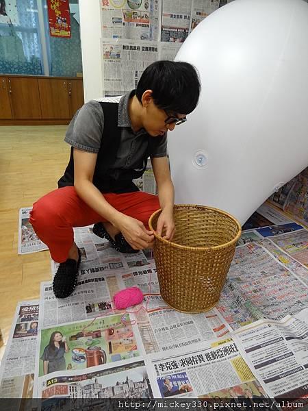 2012 5 為尊彩藝術中心二十年開展創作熱汽球:壽桃 (2)