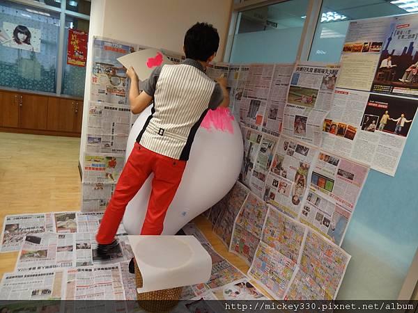 2012 5 為尊彩藝術中心二十年開展創作熱汽球:壽桃 (7)