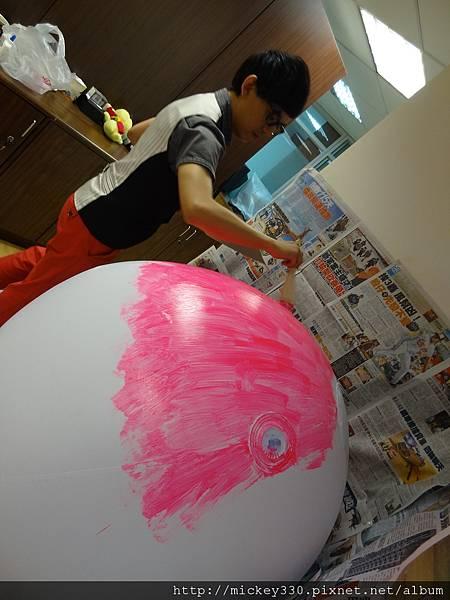 2012 5 為尊彩藝術中心二十年開展創作熱汽球:壽桃 (8)