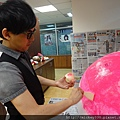 2012 5 為尊彩藝術中心二十年開展創作熱汽球:壽桃 (10)