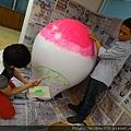2012 5 為尊彩藝術中心二十年開展創作熱汽球:壽桃 (12)