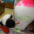 2012 5 為尊彩藝術中心二十年開展創作熱汽球:壽桃 (15)