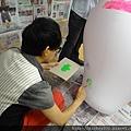 2012 5 為尊彩藝術中心二十年開展創作熱汽球:壽桃 (17)