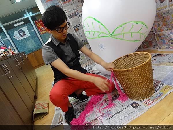 2012 5 為尊彩藝術中心二十年開展創作熱汽球:壽桃 (20)
