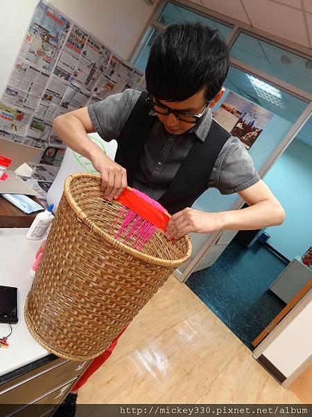 2012 5 為尊彩藝術中心二十年開展創作熱汽球:壽桃 (21)