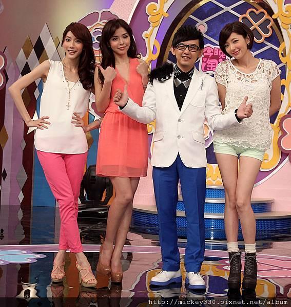 2012今晚淘汰誰開錄記者會~(謝謝邱大哥提供) (4)