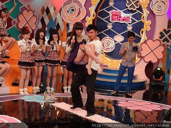 2012 525pm730土豆網channel豆~今晚淘汰誰! (43)
