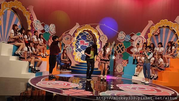 2012 6 15PM730 CHANNEL豆今晚淘汰誰~美眉都有精彩表演唷 (28)
