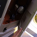 2012 國泰商務艙大改版之其中一款~很大~機關很多~扶手還是上下伸縮的 (3)