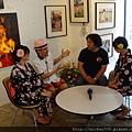 2012 7 31在人像專科攝影展會場對談與採訪與參觀 (7)
