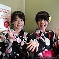 2012 7 31在人像專科攝影展會場對談與採訪與參觀 (16)