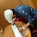 2012 8為義賣製作獨一無二的愛心閃亮DYSON!! (1)