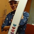 2012 8為義賣製作獨一無二的愛心閃亮DYSON!! (11)