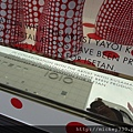 2012 725東京第一天~下午兩點從飯店出來到新宿開逛開吃~伊勢丹裡外都是草間彌生與LV (7)