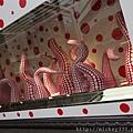 2012 725東京第一天~下午兩點從飯店出來到新宿開逛開吃~伊勢丹裡外都是草間彌生與LV (12)