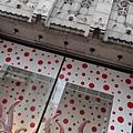 2012 725東京第一天~下午兩點從飯店出來到新宿開逛開吃~伊勢丹裡外都是草間彌生與LV (14)