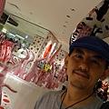 2012 725東京第一天~下午兩點從飯店出來到新宿開逛開吃~伊勢丹裡外都是草間彌生與LV (24)