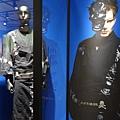 2012 725東京第一天~下午兩點從飯店出來到新宿開逛開吃 ~伊勢丹一樓UC與MMJ等品牌男子浴衣商品展售 (5)