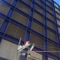 2012 725東京第一天~下午兩點從飯店出來到新宿開逛開吃 ~伊勢丹對面~很多二手與水貨品牌貨~讚啦!