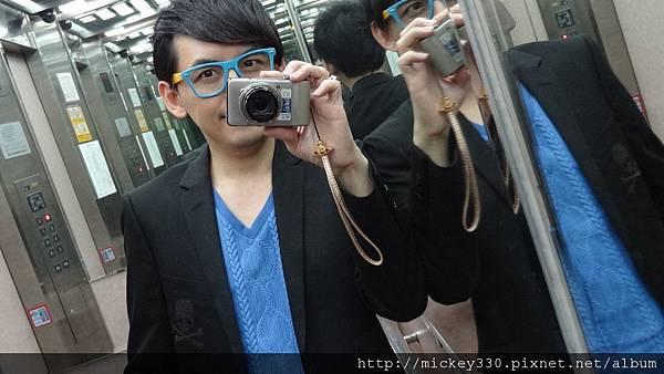 ROEN聯名西裝與一千日元眼鏡眶