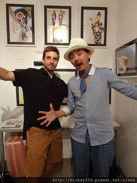 2012 7 30東京第六回人像專科攝影展布展開展與接大陸友人逛街囉! (59)
