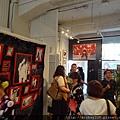2012 7 31在人像專科攝影展會場對談與採訪與參觀 (12)