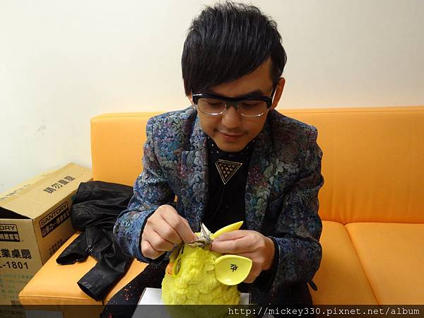 2012 12公益活動裝點菲比義賣展覽開始囉 (4)