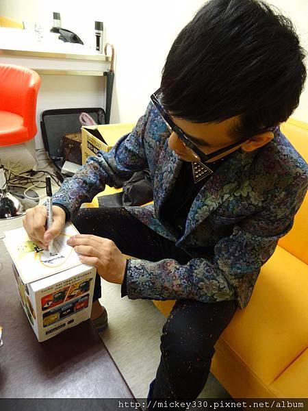 2012 12公益活動裝點菲比義賣展覽開始囉 (2)