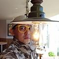 餐廳燈好矮!?