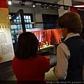 2013 1 25新年好特展開展記者會前與會後受訪 (1)
