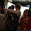 2013 1 25新年好特展開展記者會前與會後受訪 (2)