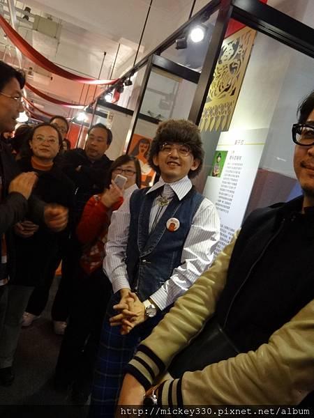 2013 1 25新年好特展開展記者會前與會後受訪 (5)
