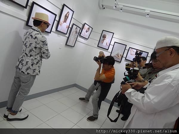 2013 5 19微色客思聯展開幕記者會 (26)