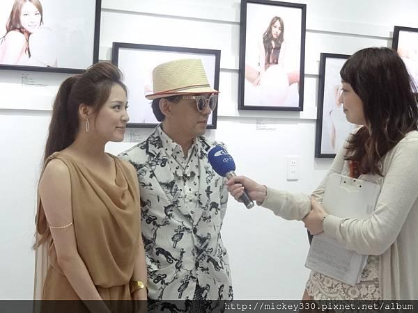 2013 5 19微色客思聯展開幕記者會 (31)