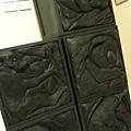 2013 7 26勤美綠圈圈夏日藝術祭室內賣店!從五百到幾萬~很棒的新銳作品!! (3).JPG