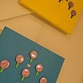 2013 7 26勤美綠圈圈夏日藝術祭室內賣店!從五百到幾萬~很棒的新銳作品!! (13).JPG
