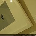 2013 7 26勤美綠圈圈夏日藝術祭室內賣店!從五百到幾萬~很棒的新銳作品!! (22).JPG