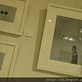 2013 7 26勤美綠圈圈夏日藝術祭室內賣店!從五百到幾萬~很棒的新銳作品!! (23).JPG