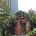 2013 新加坡 GILLMAN BARRACKS藝術特區 老橋老門 (1)