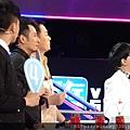 2013 1214深圳衛視男左女右 (15)