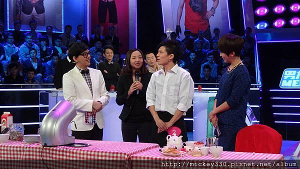2013 1214深圳衛視男左女右 (16)