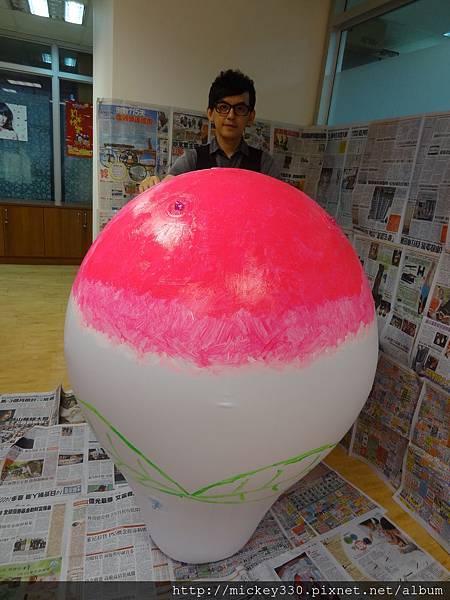 2012 5 為尊彩藝術中心二十年開展創作熱汽球:壽桃 (19)